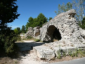 L'aqueduc de Barbegal.