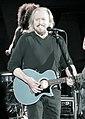 Barry Gibb Hollywood Bowl-0545 (14365129281).jpg