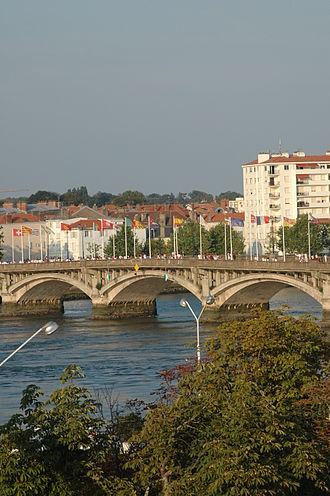 Bayonne - The Saint-Esprit bridge over the Adour.