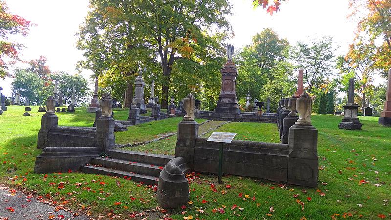 File:Beechwood Cemetery.jpg