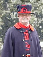 Beefeater at tower of london.jpg