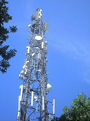 Storeton transmitting station - Image: Benkid 77 Storeton Transmitter 310509