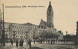 Rathaus Charlottenburg Ungenannt [Public domain], via Wikimedia Commons