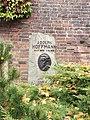 Berlin Friedrichsfelde Zentralfriedhof, Gedenkstätte der Sozialisten (Ringmauer) - Hoffmann, Adolph.jpg
