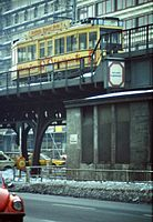 Berlin Nollendorfplatz Hochbahn 1979.jpg