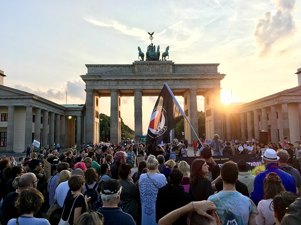 Berlin stands with -Charlottesville (36474398541)