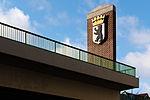 Berliner Wappen auf der Joachim-Tiburtius-Brücke 20150104 1.jpg