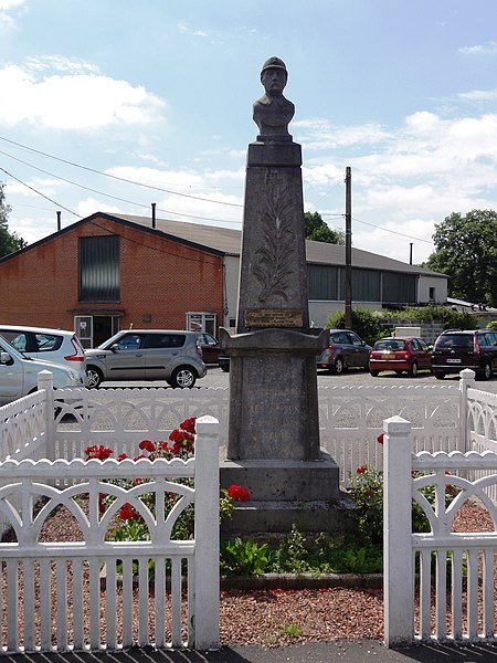 Bersillies (Nord, Fr) monument aux morts.