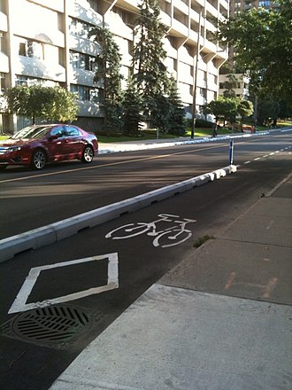 Cycle track - Image: Bicycle lane with concrete barrier ottawa 2011
