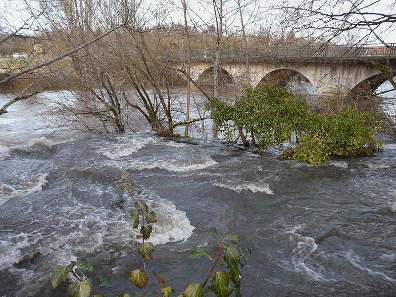 File:Blâme cascade Forge-d'Ans (15).JPG