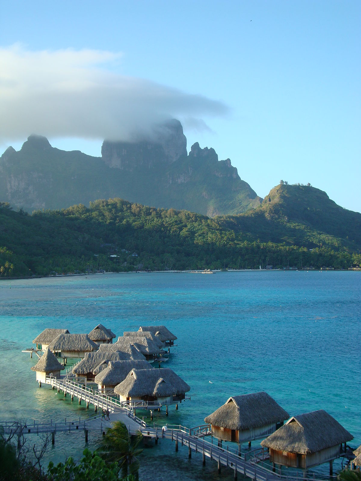 Bora bora travel guide at wikivoyage for What to buy in bora bora