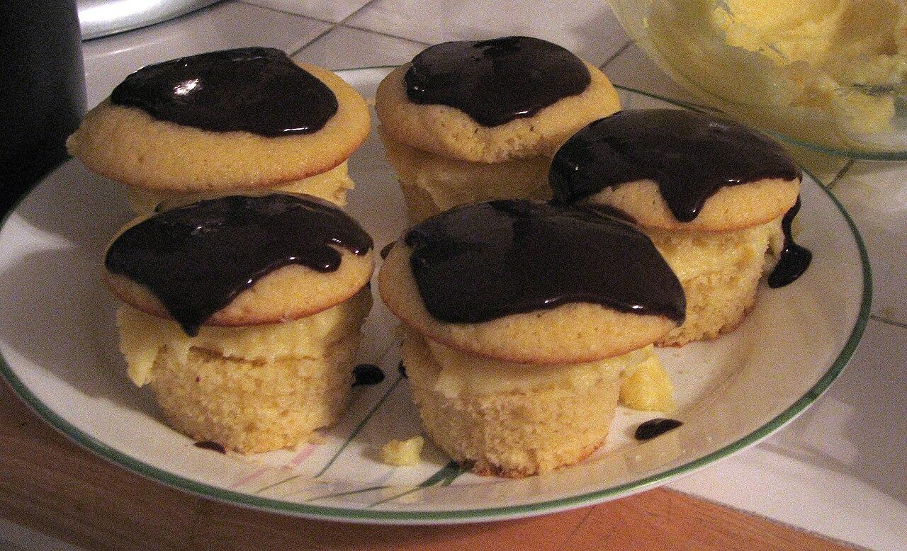 Boston Cream Cupcakes Using Cake Mix