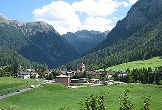 Bergün/Bravuogn Former municipality of Switzerland in Graubünden