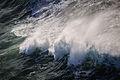 Breaking waves (13286850323).jpg