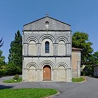 Brie-sous-Chalais 16 Église façade 2013b.jpg
