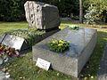 Bronisław Geremek - Cmentarz Wojskowy na Powązkach (11).JPG