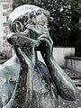 Brunnenskulptur, Flötenspieler, 1950, von Emil Knöll (1889-1972) 3.jpg