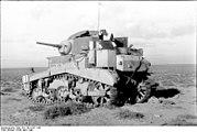 """Bundesarchiv Bild 101I-783-0107-14A, Nordafrika, amerikanischer Panzer M3 """"Stuart"""""""