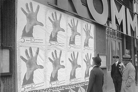 5 Fingers Has The Hand by John Heartfield, 1928 Bundesarchiv Bild 102-05929, Berlin, KPD-Plakat zu den Reichstagswahlen.jpg