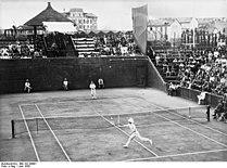 Bundesarchiv Bild 102-09981, Mailand, Vorschlussrunde zum Davis-Cup.jpg