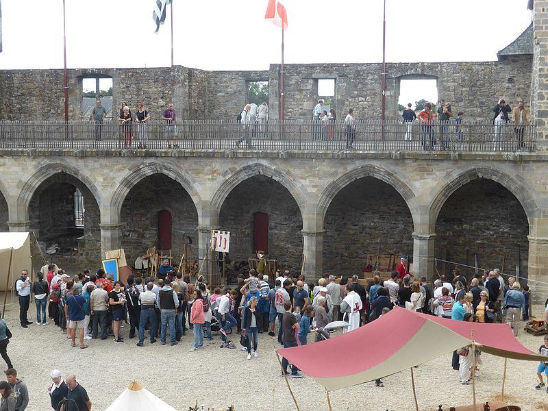 Camp medieval Vitré.jpg