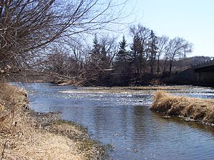 Cannon River (Minnesota) - The Cannon River in April at Welch