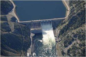 Canyon Ferry Dam - Image: Canyon Ferry Dam 2