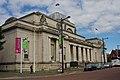 Cardiff (15803795227).jpg