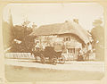 Carriage outside unidentified house (3990133670).jpg
