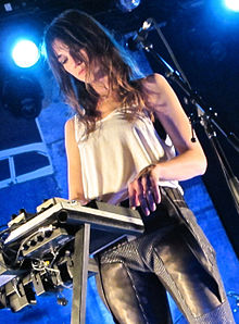 Charlotte Gainsbourg in concerto a New York nel 2010