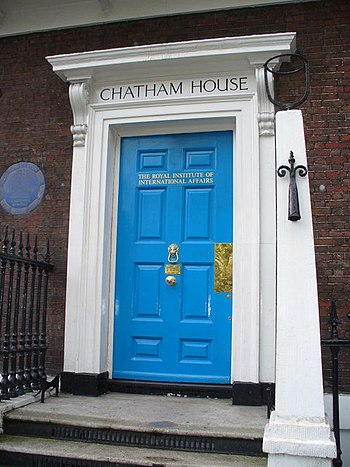 English: Chatham House At the north-west corne...