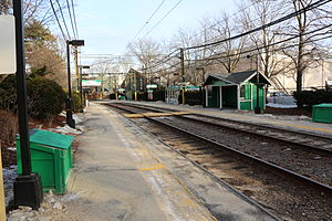 Chestnut Hill station, January 2014.jpg