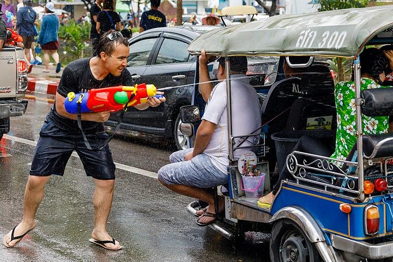 File:Chiang-Mai Thailand Songkran-Festival-2017-03.jpg