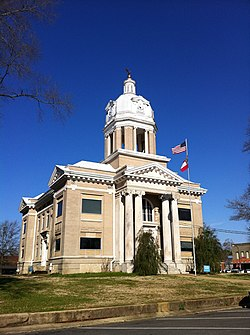 Chickasaw County Courthouse in Houston