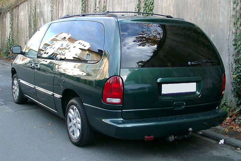 ファイル:Chrysler Voyager rear 20071030.jpg