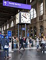Clock and meeting point in Zurich main station.jpg