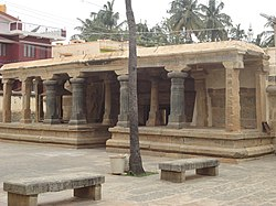 Close up view of open entrance mantapa in the Kolaramma Temple at Kolar.jpg