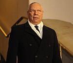 Colin Powell arrives for 2009 Obama inauguration (cropped).JPG