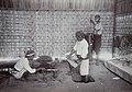 Collectie NMvWereldculturen, 7014-1-23, Foto, 'Wapensmederij op de eerste nijverheidstentoonstelling in Yogyakarta', fotograaf onbekend, 1925.jpg