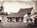Collectie NMvWereldculturen, TM-60005003, Foto, 'Het huis van een rijke Chinese familie aan de Molenvliet in Batavia', fotograaf Woodbury & Page, 1860-1872.jpg