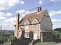 Cottage at Chart Hill near Chart Sutton - geograph.org.uk - 216354.jpg