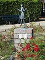 Cuijk - Meisje met diabolo van Gerard Bruning in het plantsoen op de hoek van de Jan van Cuijkstraat en de Aleidestraat.jpg