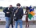 Düsseldorf, Interview Brasilianerin auf dem Burgplatz, Juni 2012.jpg