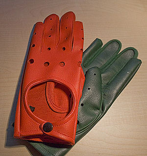 Dagen H - A pair of colored gloves used in 1967 by Swedish authorities in order to remind drivers they should drive on the right as the traffic was changed