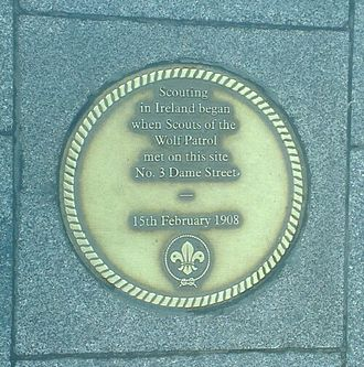 Scouting Ireland - Plaque at 3 Dame Street which marks the site of the 1st Scout meeting in Ireland