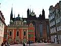 Danzig - Die Königliche Kapelle vor der Marienkirche - Kaplica Królewska przed Kościołem Mariackim - panoramio.jpg