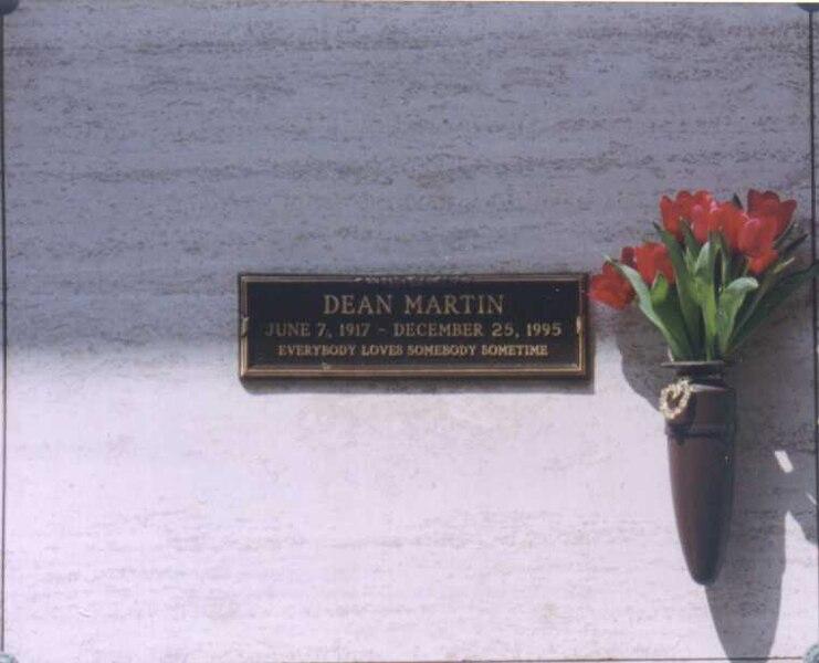 Datei:Dean Martin mausoleum.jpg