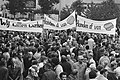 Demonstratie van werkwilligen voor het Rotterdamse Stadhuis op de Coolsingel met, Bestanddeelnr 930-4619.jpg