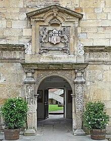 Dveře, King's Manor (26804936536) .jpg