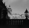 Dresden. Zwinger. Blick vom Zoologischen Pavillon - Fotothek 0003402 - Enhanced version.png